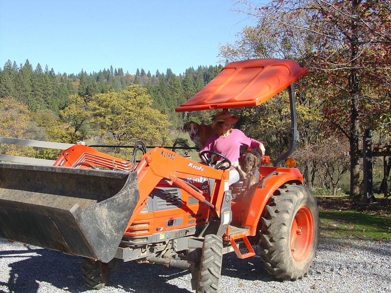 volunteer_tractor